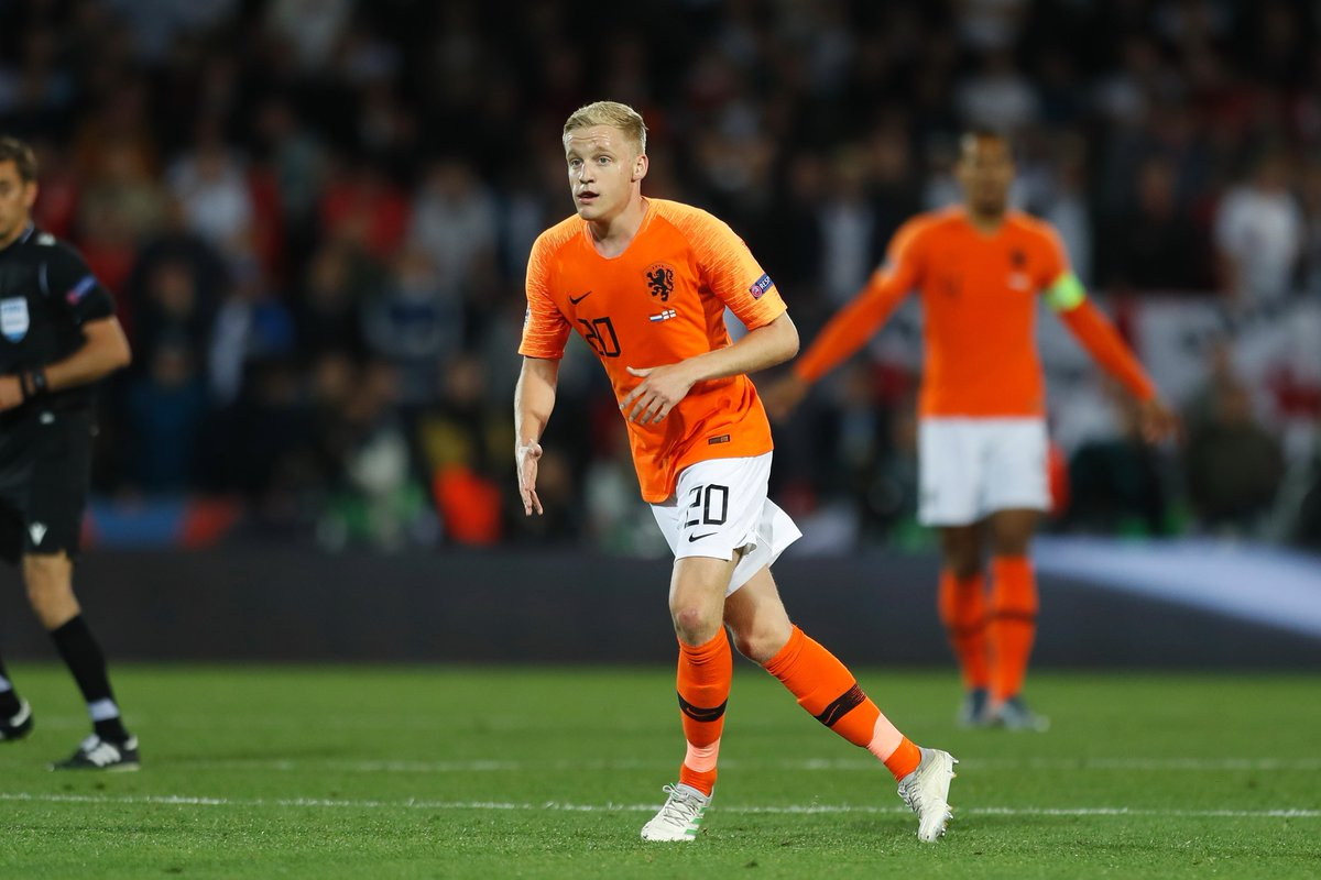 Ajax manager Erik ten Hag has confirmed that Donny van de Beek will be staying at the club this summer.