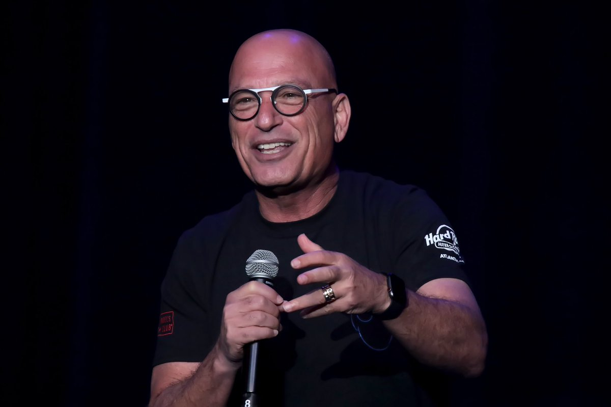 It's always a fun night when @howiemandel comes to his own, Howie Mandel's Comedy Club!    We can't wait to laugh with you again tonight, Howie!<br>http://pic.twitter.com/KVxrKK4zor – à Howie Mandel's Comedy Club