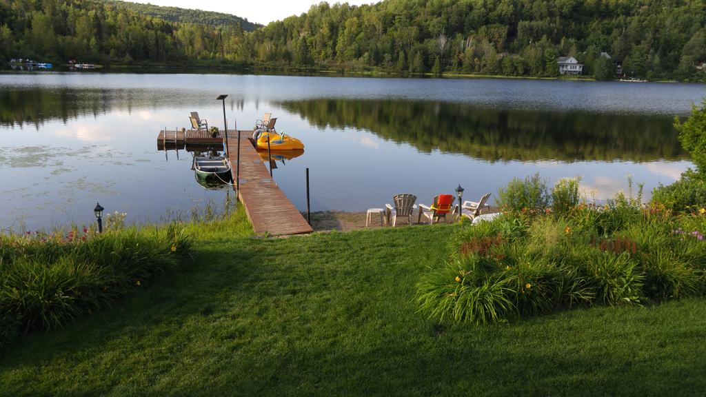 #HappySaturday   Twitter world  my Lake house! <br>http://pic.twitter.com/orWBtQcGn7