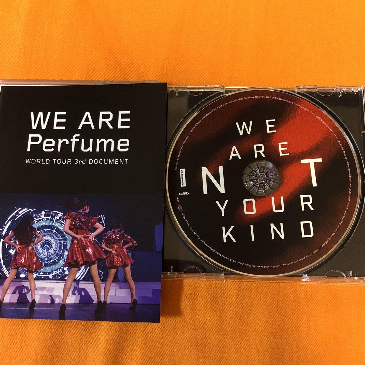 Slipknotの新譜「We Are Not Your Kind」のCDを取り出す際、一瞬、Perfumeのドキュメンタリー映画「We Are Perfume」を開けたのかなと空目する。字体がソックリなもんでw Slipknotの新譜、前作は聴いていないけど今まで一番聴きやすいかも?