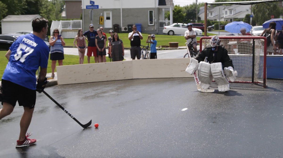 David Perron having a street hockey tournament for the #StanleyCup is the coolest thing ever. WATCH: bit.ly/2N4w0mS