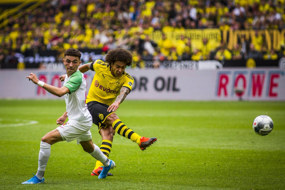 Axel Witsel misplaced just TWO passes vs. Augsburg this afternoon. 124 attempted 122 completed 98% accuracy 4 chances created 2 assists Bossing the midfield.