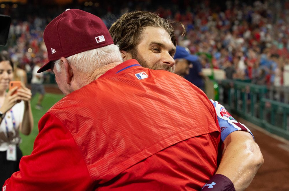 Since Phillies hired Charlie Manuel  4-0   First 4 game win streak in almost 2 months  Averaging 7.5 runs, 11 hits, 5 extra base hits a game   #HittinSZN  #Phillies<br>http://pic.twitter.com/KcC9LFkvwD