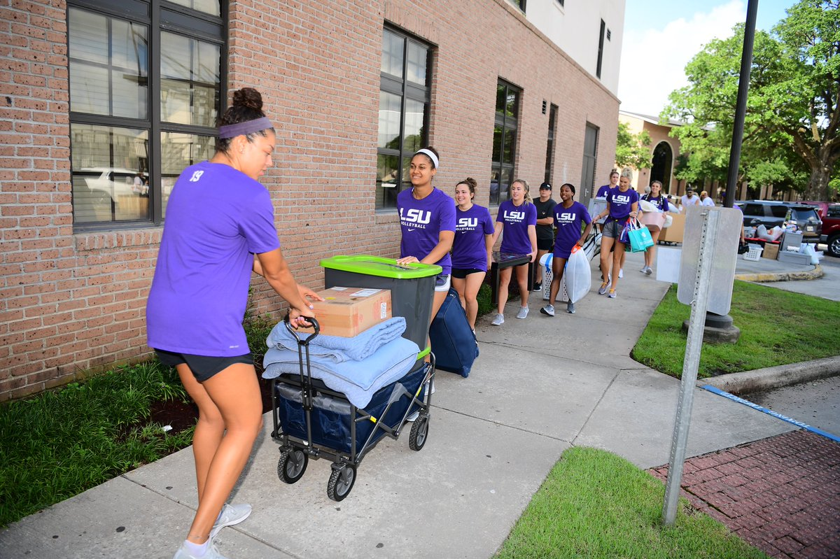 Scrimmage  #LSU23 Move In Day  Welcome, Class of 2023 to your new home!   #MyLSUHome | #GeauxTigers <br>http://pic.twitter.com/obL494nCnS