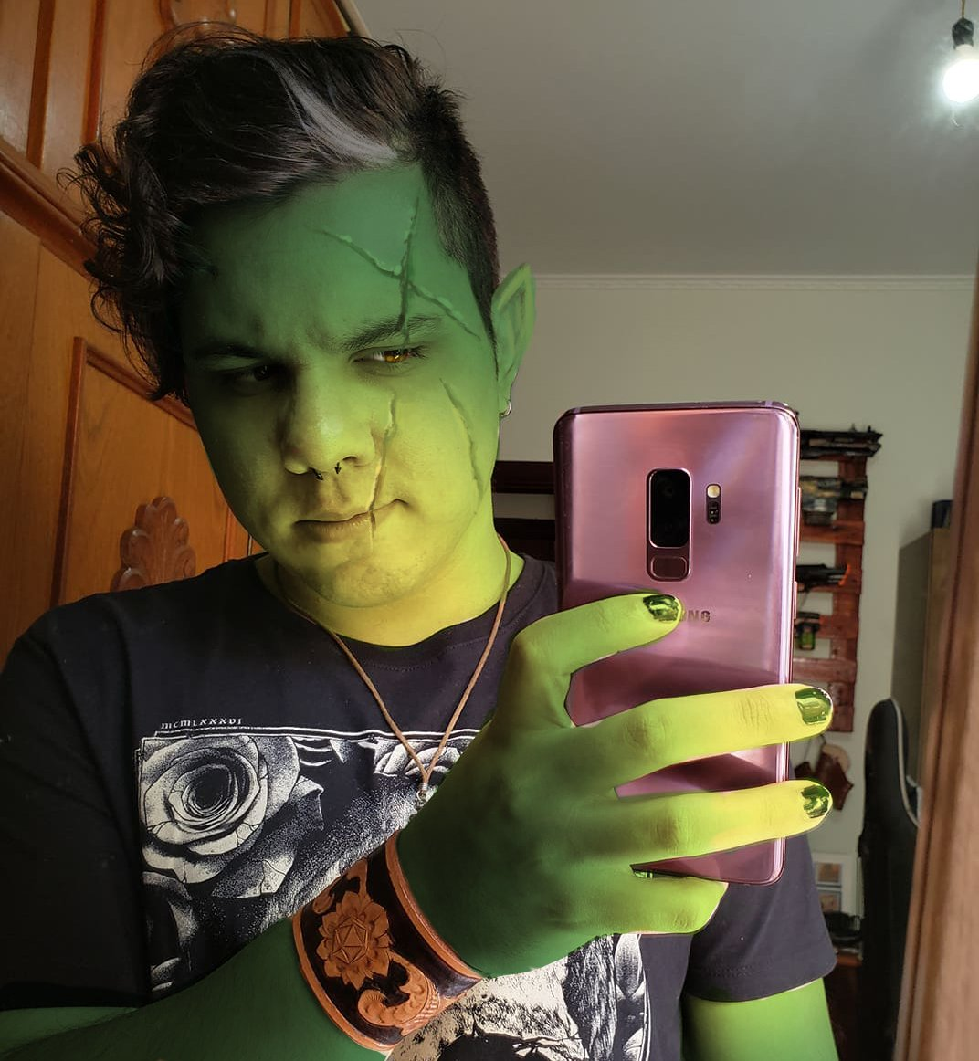 I don't have bodypaint to costest so photoshop will do <br>http://pic.twitter.com/pW7a2N6kPm