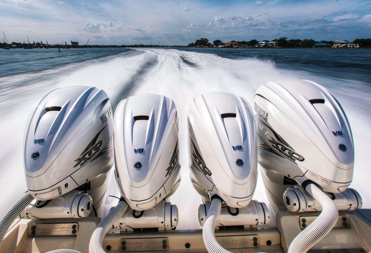 """""""And down the stretch they come. . .""""  #WeekendReady  #YamahaDerby #BoatsDaily #YamahaXTO #ReliabilityStartsHere @YamahaOutboards<br>http://pic.twitter.com/7qWF4hnsdK"""