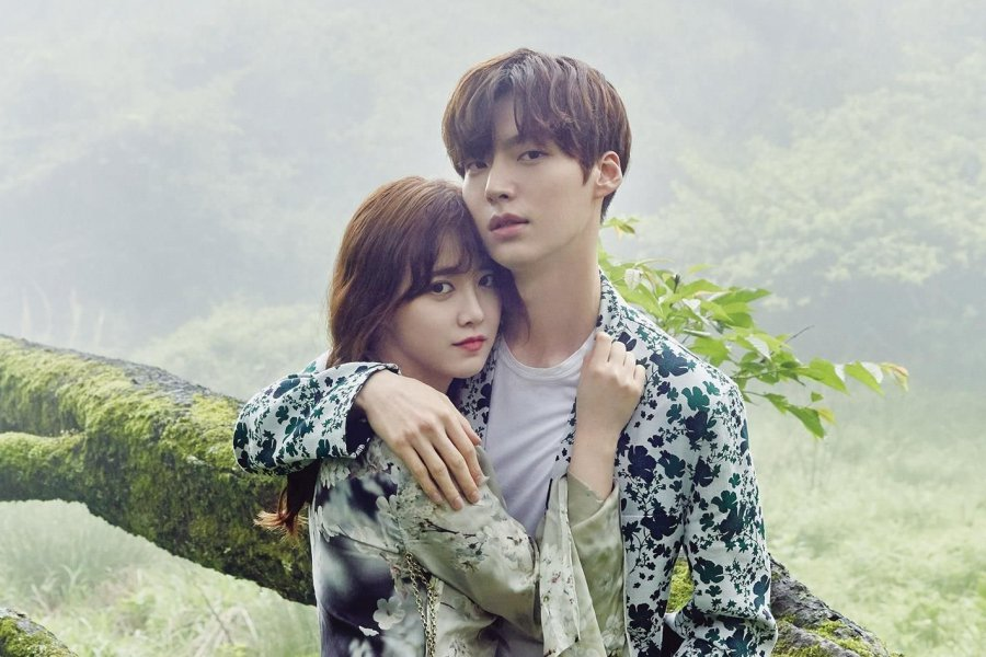 BREAKING: #KuHyeSun Reveals That #AhnJaeHyun Wants A Divorce https://t.co/YACYlDN7Zx https://t.co/eWxlM9N2Cb