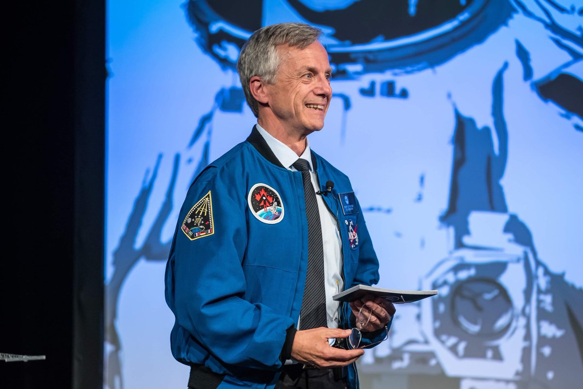 Happy birthday to former CSA astronaut @RobertThirsk! He was the first Canadian astronaut to fly a long duration expedition aboard the @Space_Station and to travel aboard a Russian Soyuz vehicle. Photo: CSA