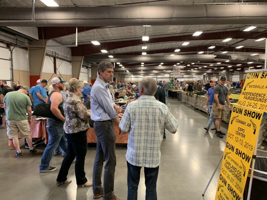 Beto O'Rourke gun show: Texas Democrat visits gun show in Arkansas today; NRA responds