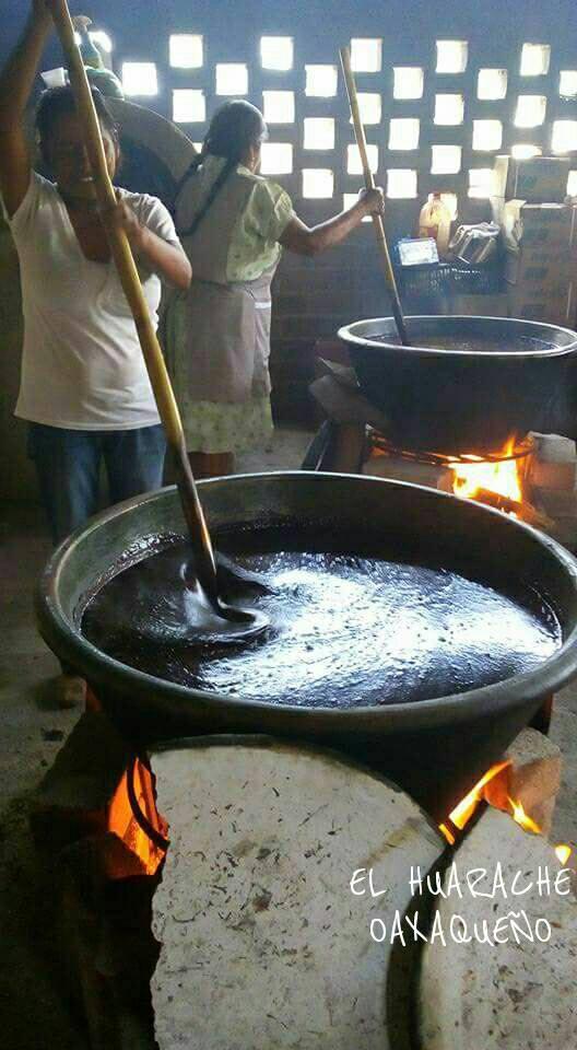 Selectas imágenes del estado de Oaxaca, rico en tradiciones y culturamúsica: Dios nunca muere (Macedonio Alcalá)https://youtu.be/r_6R-LMmawA Tan rico el mole negro