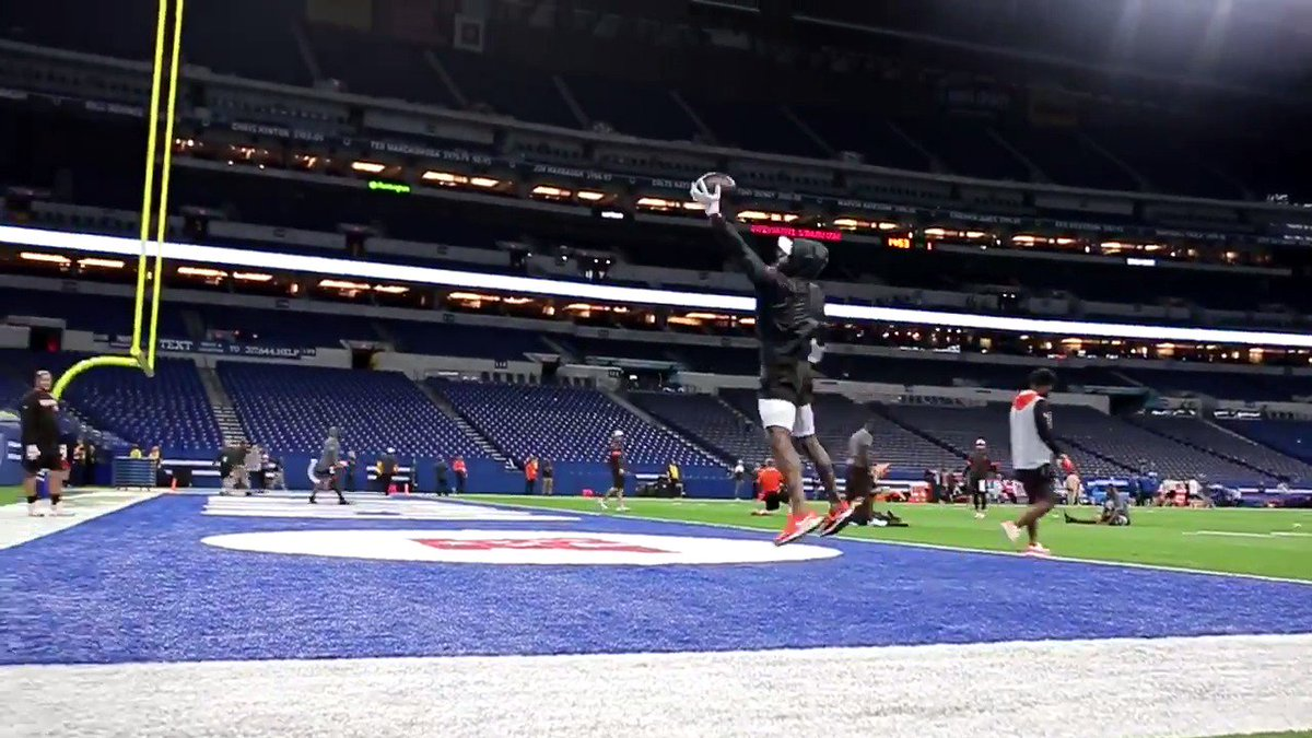 If I could only watch practice/warm-up clips of one player, it's easily Odell. 🎥: @browns.