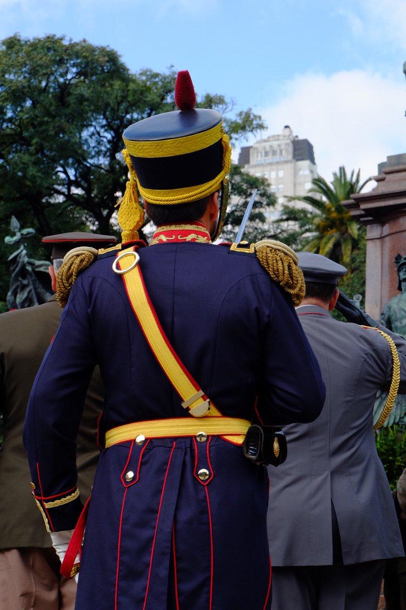 Ceremonia en la Plaza San Martín en homenaje al Libertador en el 169° aniversario de su tránsito a la Gloria 🇦🇷#SemanaSanmartiniana #EsteEsTuEjercito