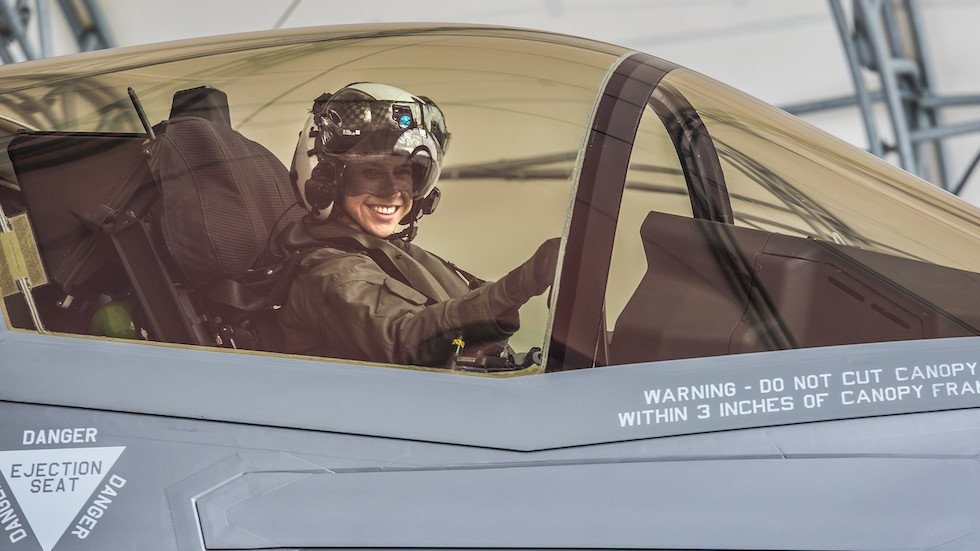 Idaho woman makes history, becomes first female Marine to pilot F-35 fighter jet hill.cm/H2KzYo6