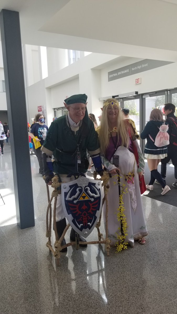 Probably my favorite cosplay at #matsuricon2019 <br>http://pic.twitter.com/GiDsOtStRX
