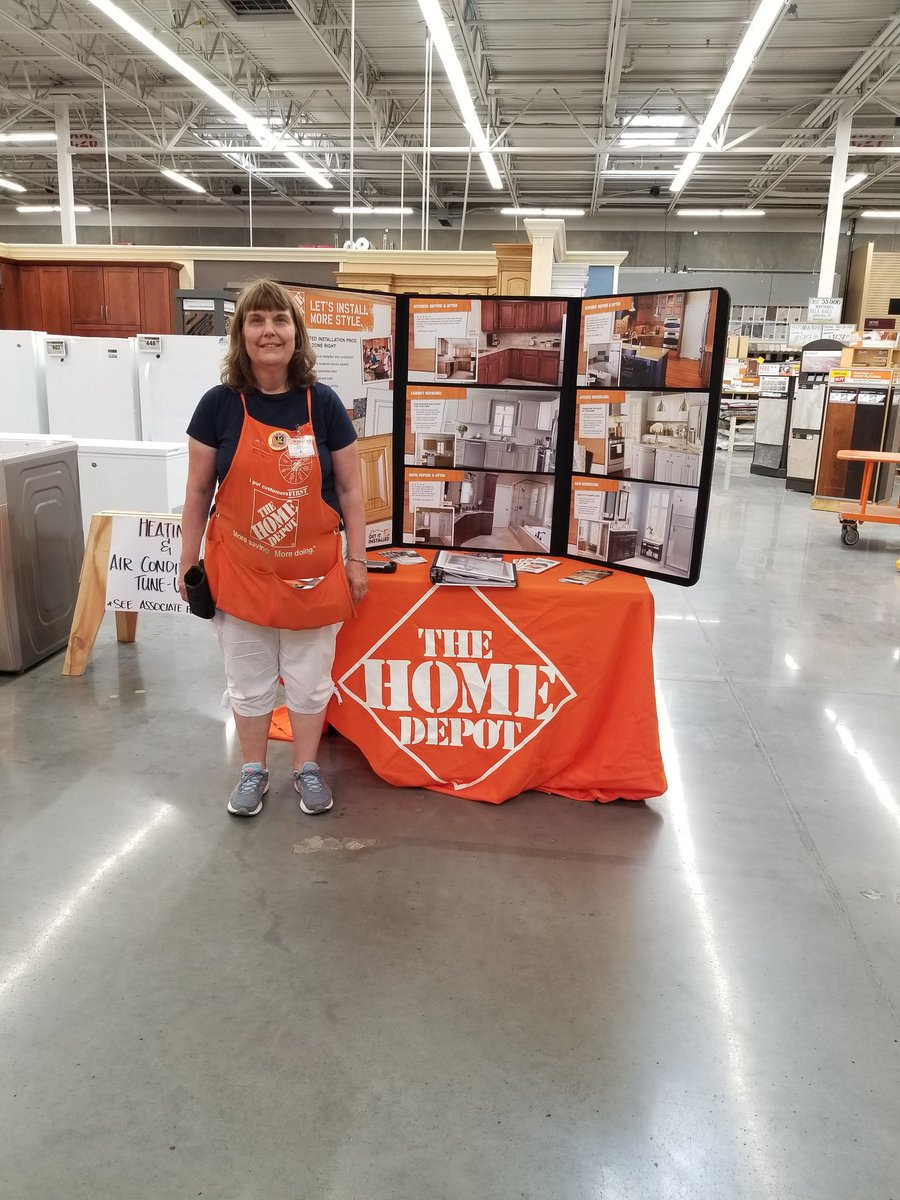 Sue in appliances driving HDI and countertops. @blkubes @CumminsLucas @semke_t #thd4026 @CorporateLarry #PNW4thewin <br>http://pic.twitter.com/G8wuRBvynr