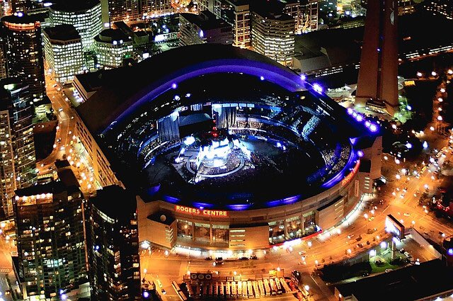 in 20 days, the sm3 rose is gonna be glowing in the middle of this stadium and shawn will play to over 53000 people with everyone screaming his lyrics back to him i-