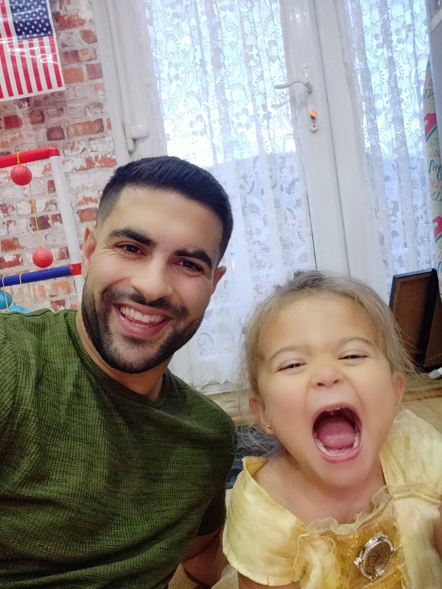 It's so nice to visit the family.   Nothing beats quality time with my beautiful niece.   #family #niece #QualityTime <br>http://pic.twitter.com/lmGn83bWaC