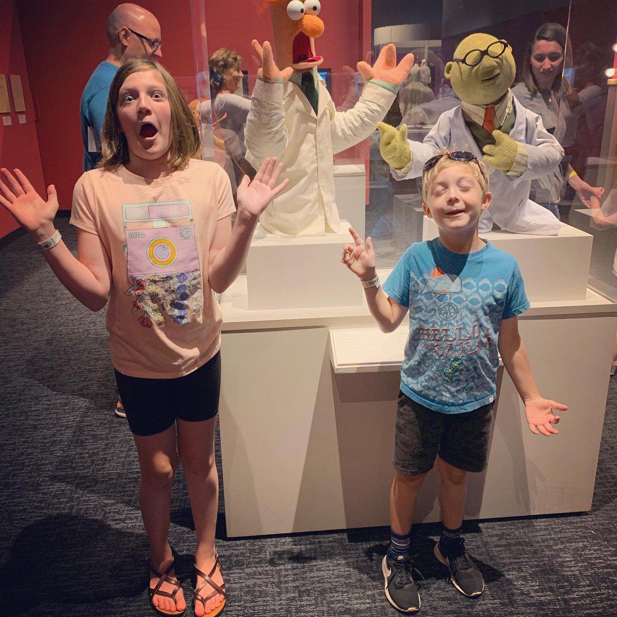 My kids as Bunsen & Beaker / Bert & Ernie. Today's adventure @COSI. #jimhenson 💗💗💗