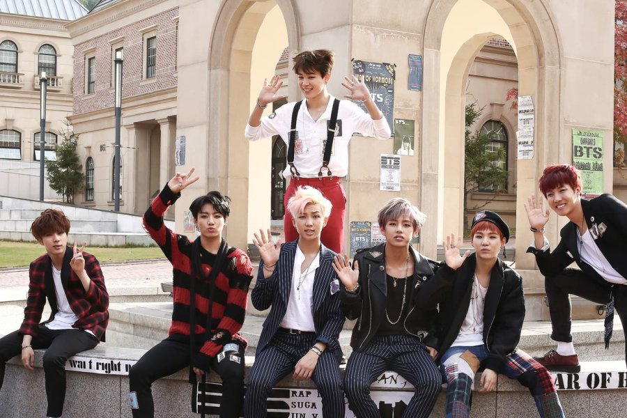 #BTS's 'War Of Hormone' Becomes Their 13th MV To Hit 200 Million Views #WarOfHormone200M https://t.co/nIgdSFvvcd https://t.co/usnHEX64eP