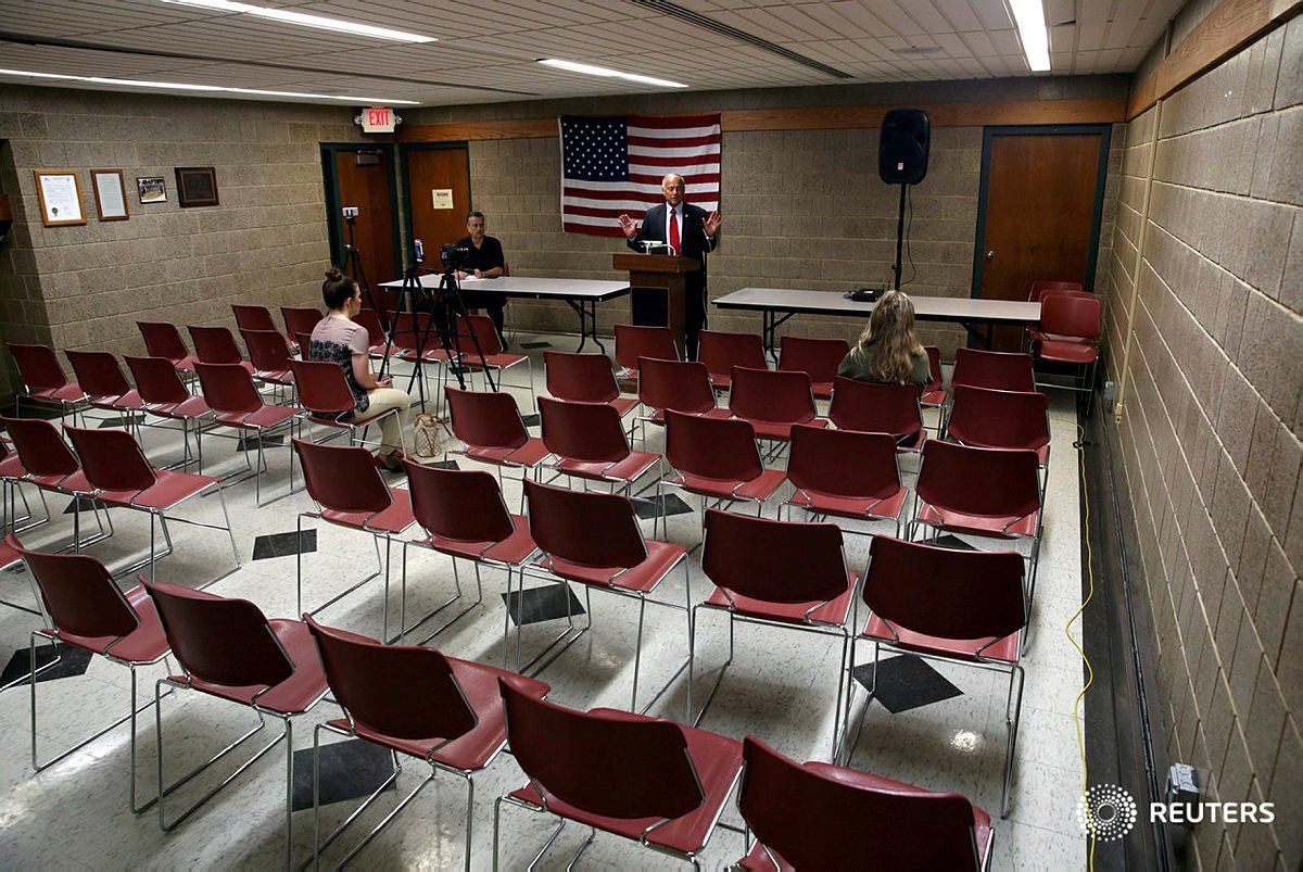 Rep. Steve King held a townhall today in Iowa.  Apparently, President Trump is not the only Republican suffering from empty seats this week.  H/t: Brenna Norman 📷