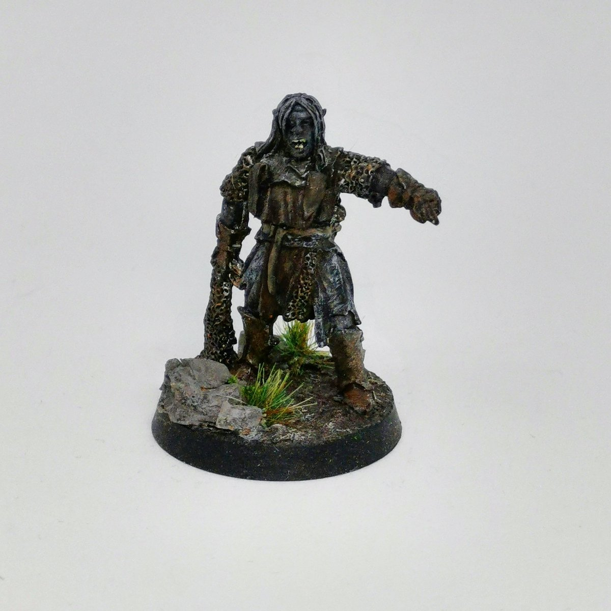 Forgot how much fun the old Lord of the rings miniatures are to paint now on to the rest. #painting #miniatures #lordoftherings #paintingminiatures #wargames #wargaming #gamesworkshop #warmongers https://t.co/3azuBD6bCm