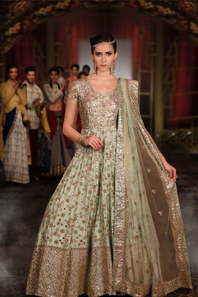 What's my style is not your style, and I don't see how you can define it. It's something that expresses who you are in your own way 💕💕#kalashreeregalia #bridalfashion #lehenga #bridalwear  #indianbride #Partywearlehenga  #weddinggown #chandnichowk #designerLehenga