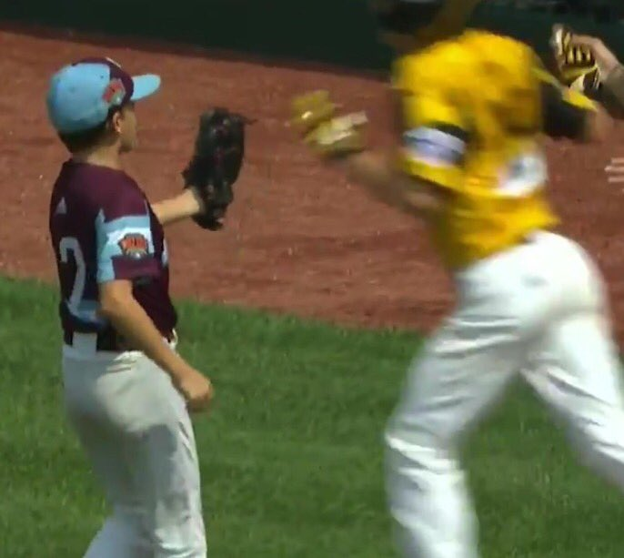 Disgusting: We're Giving Up Bombs At The LLWS And Then High-Fiving The Hitters On Their Way To Home Plate https://www.barstoolsports.com/barstoolu/fuck-this-kid-at-the-llws-who-gave-up-a-bomb-and-high-fived-the-hitter-as-he-crossed-home-plate…