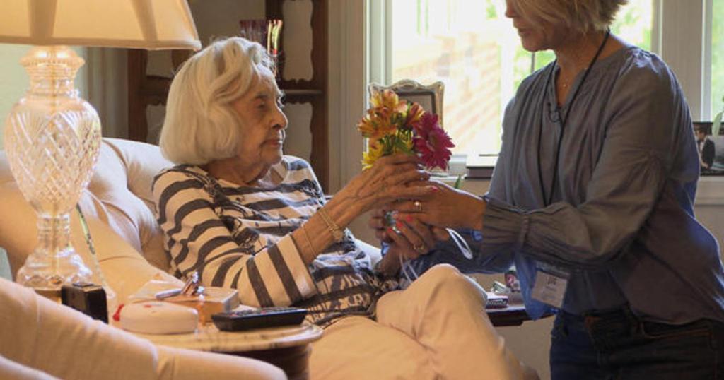 Its doing something good: 2 women brighten lives of seniors with memory loss cbsn.ws/2Z5dJwb