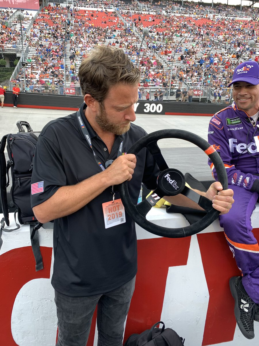 Do the books know I touched @dennyhamlin wheel 5 minutes ago?   That's inside info.  @BMSupdates @NASCAR #BristolNightRace