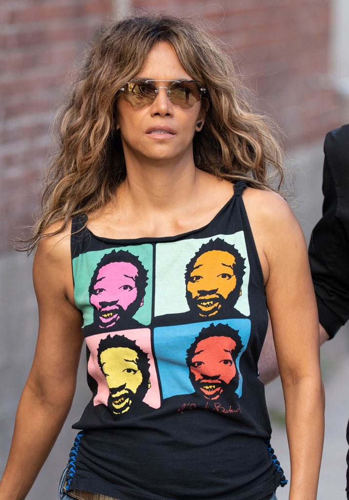 Is it me or is Halle Berry starting to look like the lead singer for Aerosmith??🤔🤔