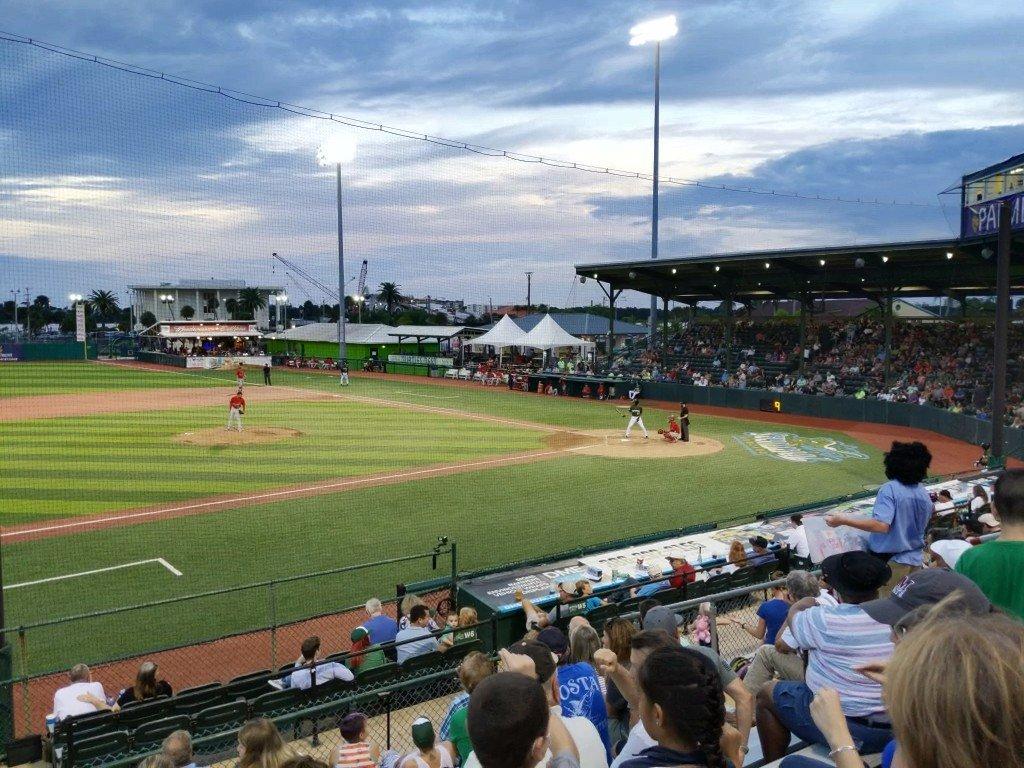 In #DaytonaBeach watching the @daytonatortugas play the @GoPBCardinals at Jackie Robinson Stadium. Nothing wrong with minor league baseball! @MiLB! <br>http://pic.twitter.com/3DQ6w9BFkE