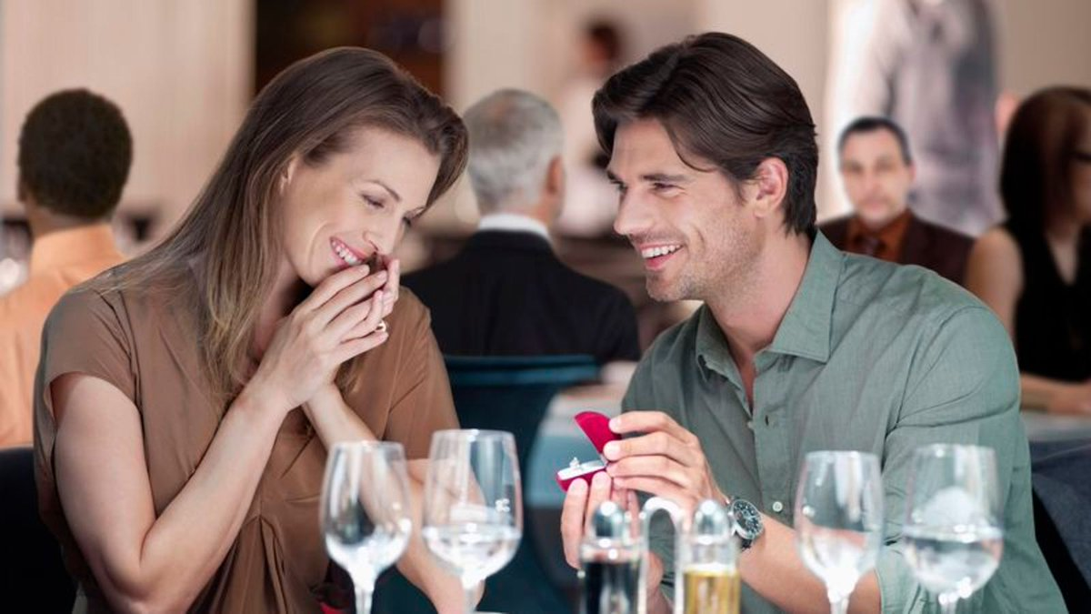 Two Dozen Restaurant Patrons Made Violently Ill From Marriage Proposal https://trib.al/ypC5Op3