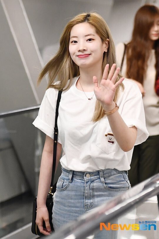 dahyun and her ahri shirt making a reappearance 🥺