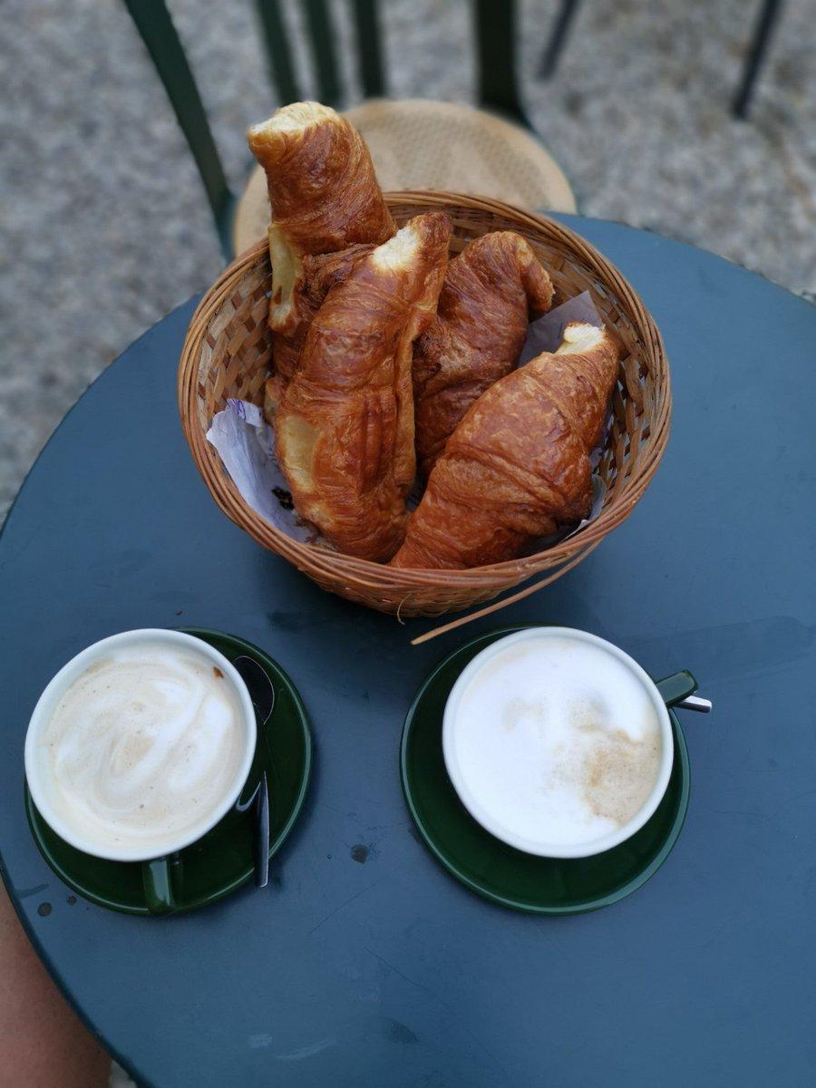 Breakfast (@ Saint-Antonin-Noble-Val in Midi-Pyrénées) swarmapp.com/c/bISilUt3X8N