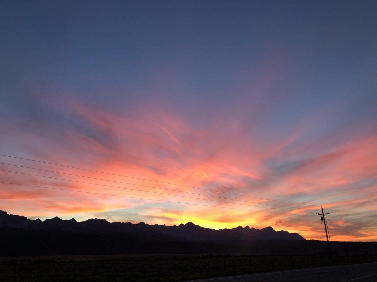 A Western sunset to end a vacation on.