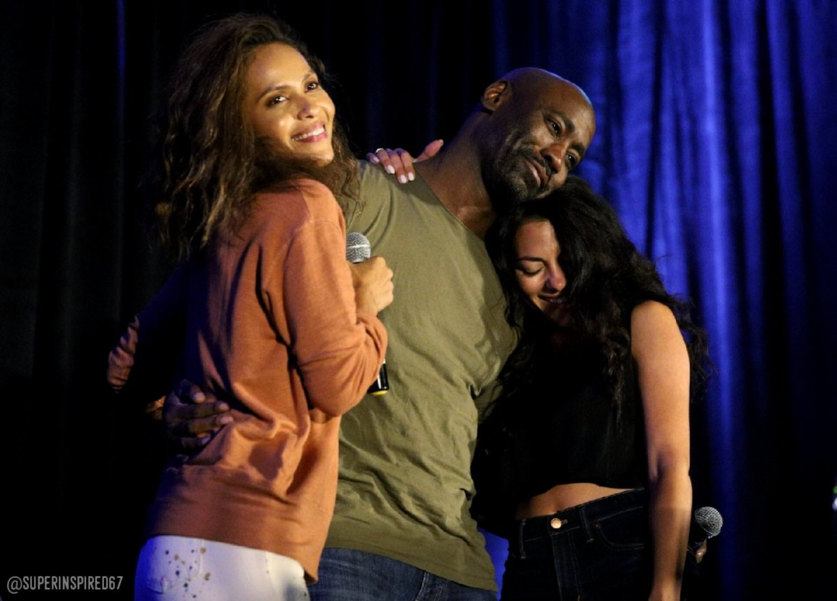 Karaoke love! @LesleyAnnBrandt @InbarLavi and @dbwofficial brought the house down! #LuciCon