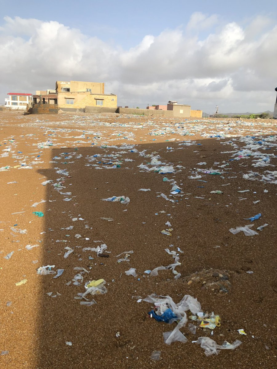 Pictures of Hawksbay Karachi i took today, this used to be a very clean place not too long ago. Need a complete ban on plastic bags all over Pakistan before we destroy everything #LetsCleanKHI