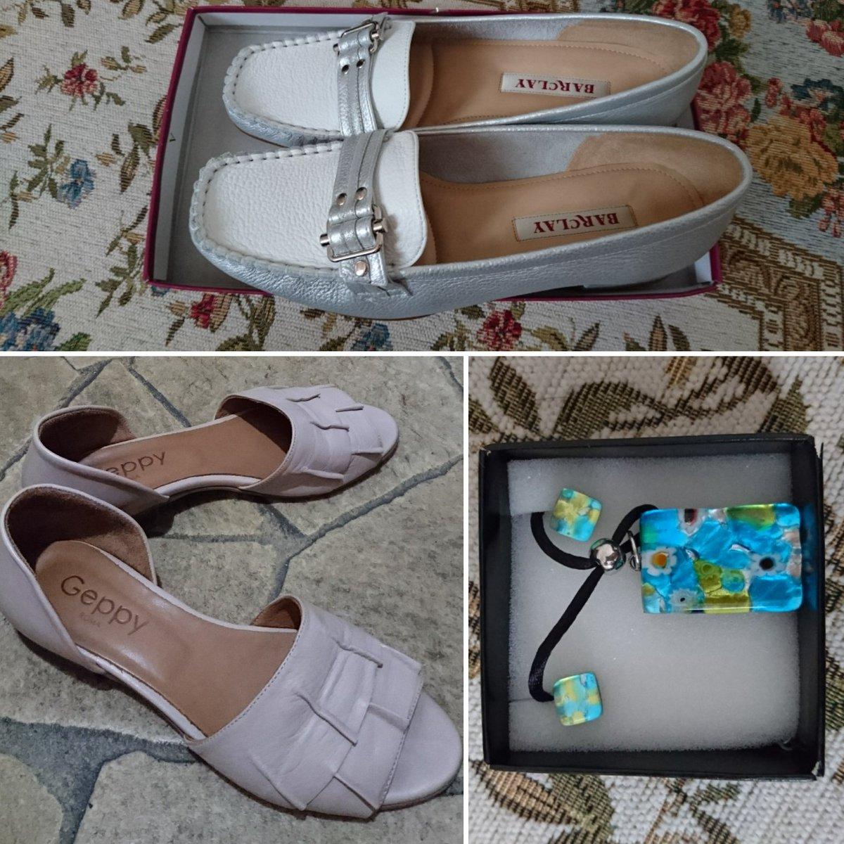 気を取り直して最近購入したもの。ワンピースとロングカーディガン以外でね。 上が日本のセールで買った靴です。色も形もお気に入り。 左下がローマで買った革靴で、店員さんセレクト。 右下はヴェネツィアで買ったネックレスとピアス。あえてPCちょっと外してます。