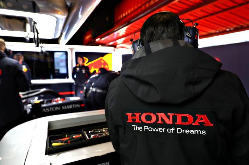Honda: Motor cezasını ne zaman alacağımıza karar vermek çok karmaşık   🔗👉 http://www.sonsektor.com/haberler/honda-motor-cezasini-ne-zaman-alacagimiza-karar-vermek-cok-karmasik-65061/…   #F1