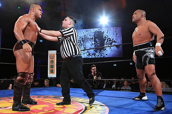 On June 30, NJPW rocked Sydney on night 2 of Southern Showdown: now available on @njpwworld !  Check out an awesome battle between @HenareNZ and Tomohiro Ishii, and see the moment when @RobbieEagles_ left BULLET CLUB and joined CHAOS! #njpw #njaus  https:// njpwworld.com/p/s_archive_12 5_3_1   … <br>http://pic.twitter.com/Kv443Tad4j
