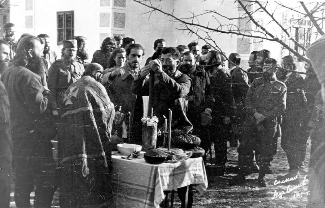 St. Nicholas, December 19, 1943 in the village of Gornja Orovica near Ljubovija. Predrag Rakovic Commander of the 2nd Corps of the Mountains.#serbian #Christianity #orthodoxy #ww2<br>http://pic.twitter.com/SzaNXmeTyp