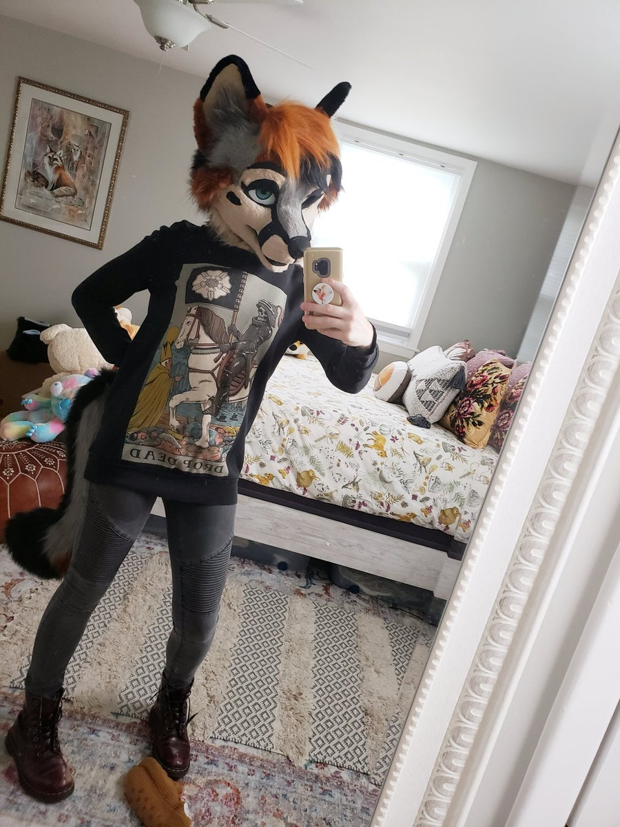More outfit play time! Never gets old. Art by:  https://www. furaffinity.net/user/poltergyst     Fursuit by: @BlueFoxFursuits   #furry #fursuit #dropdead #wip<br>http://pic.twitter.com/w61CGYm7VV