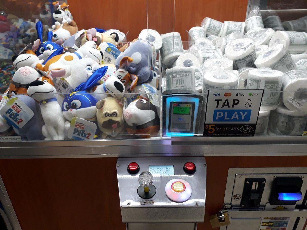 UFOキャッチャーも、クレジットカード使えます。キャッシュレスも、ここまできた?(日本のUFOキャッチャーも、クレジットカード使えたかな...。)