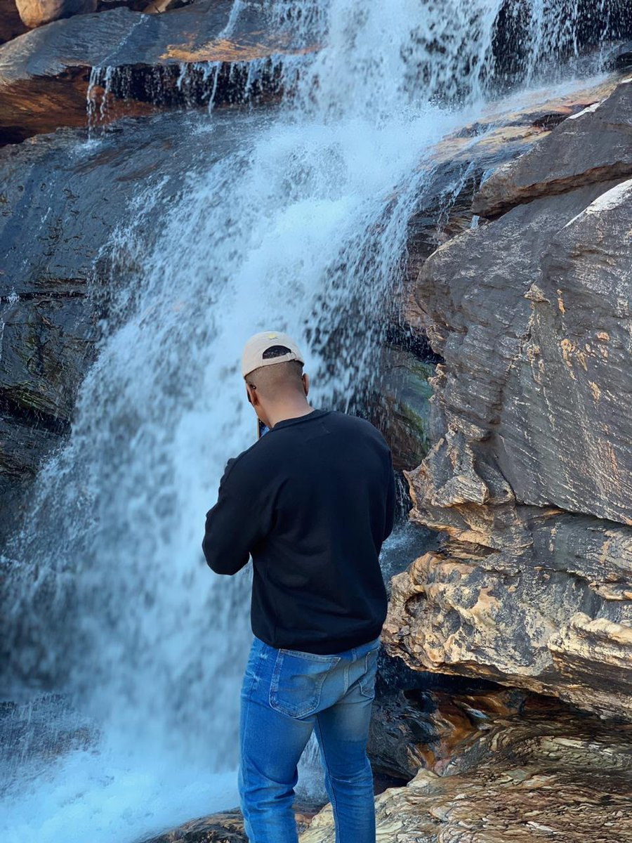 Was craving nature's TLC so I spent my morning chasing waterfalls. <br>http://pic.twitter.com/8P8XtKe0m4