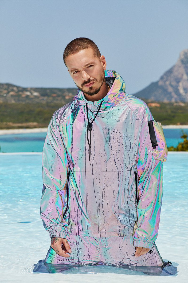Just in: Raggaeton star #JBalvin will make his UAE debut with a performance during #AdShowdownWeek on September 5. He joins the @ChiliPeppers who perform on September 4. Tickets for Balvin's show go live tomorrow. #UFC242
