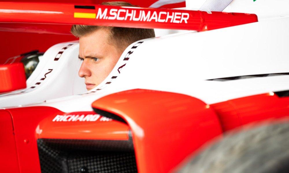 Mercedes Schumacher'i akademisine katmak istememiş   🔗👉 http://www.sonsektor.com/haberler/mercedes-schumacheri-akademisine-katmak-istememis-65055/…   #F1