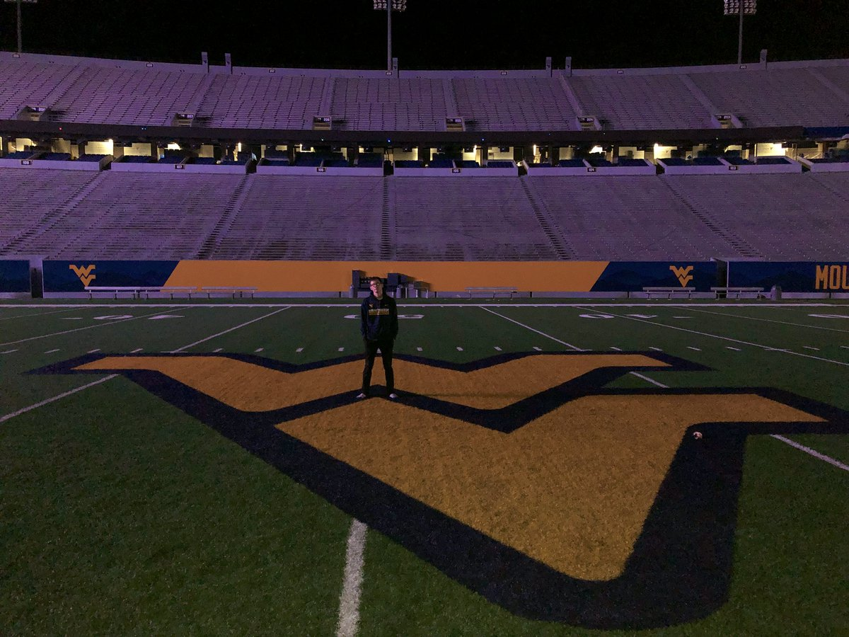 One last year in Morgantown. #victorylap <br>http://pic.twitter.com/gbwgYsTNcV