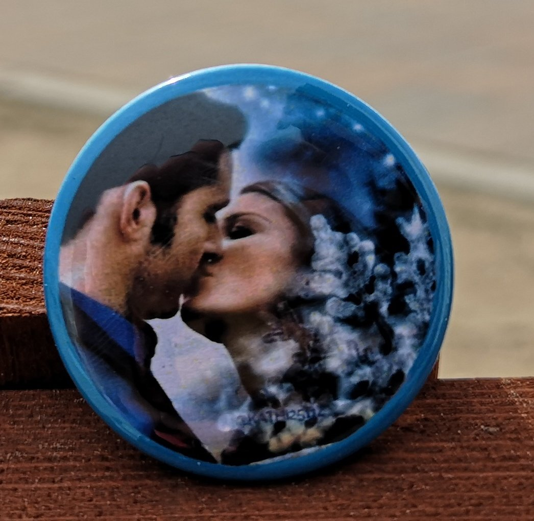 I'm still in holiday mood and I really love Deckerstar. That's why I'm very happy this wonderful button accompanies me always, for example to LFCC last month and my holidays at the Northsea. Thank you so much @Kathi2511z  #Lucifer #MyLoveWillNeverDie<br>http://pic.twitter.com/Let5DSWyj1