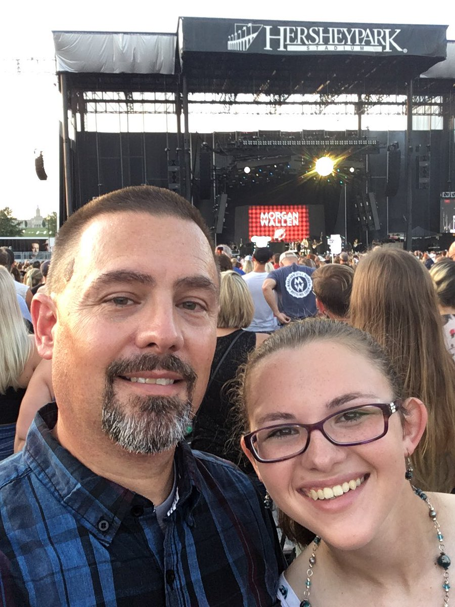 Had an amazing time at the Florida Georgia Line @LFlordia concert in Hershey with my daughter last night. These boys put on an awesome show. #Dirt #Cruze #MayWeAll #Blessings <br>http://pic.twitter.com/w0XkFlZDpA