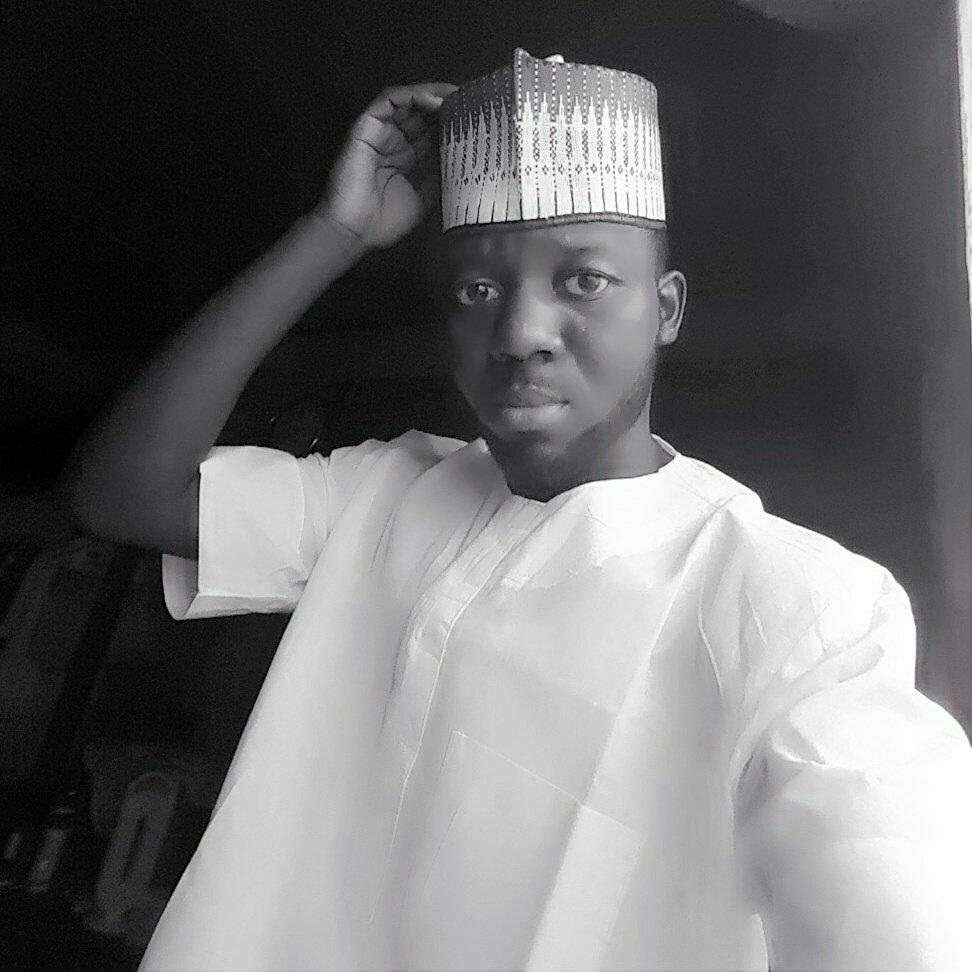 RT @abideen_zeenil: Eid Mubarak to all my friends https://t.co/2vTDXBECPG